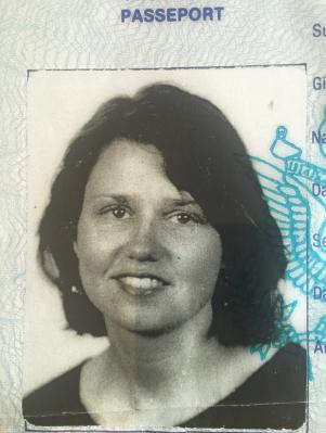 lisa passport photo